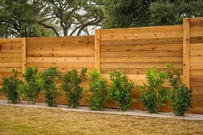 Độ cao lý tưởng của rào không nên vượt quá tầng 1 ngôi nhà